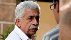 Charlie Kay Chakkar Mein Hindi Movie 2015 | Naseeruddin Shah | Anand Tiwari