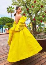 Sonam Kapoor unveiled Chopards Garden Of Kings collection
